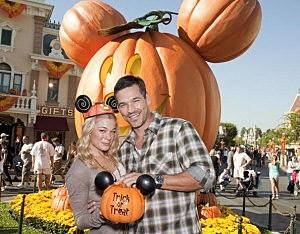 LeAnn Rimes And Eddie Cibrian Visit Disneyland - October 8, 2010