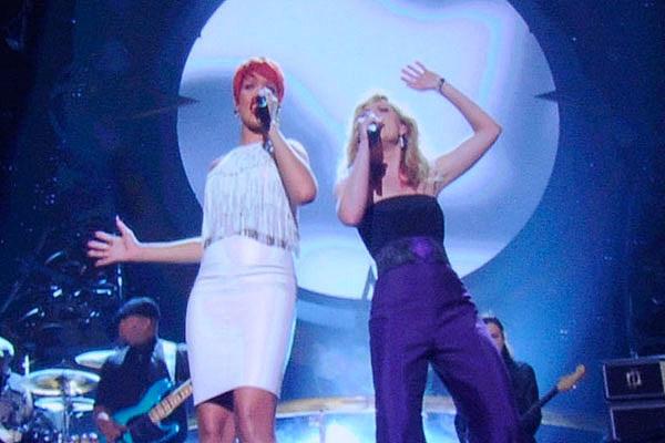 Rihanna & Jennifer Nettles
