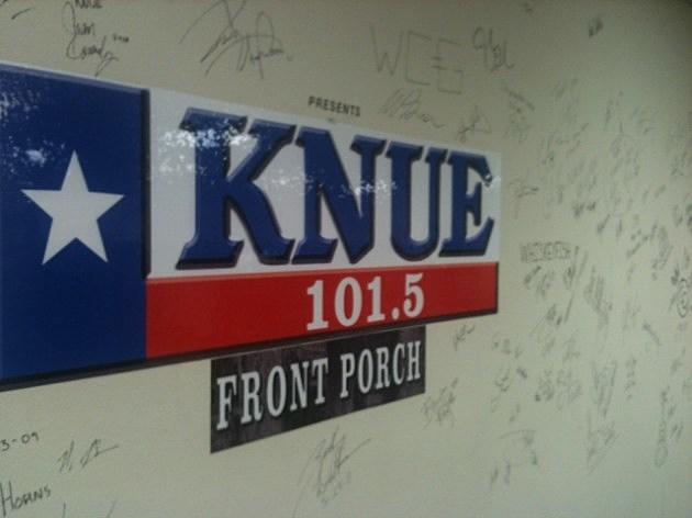 KNUE Wall
