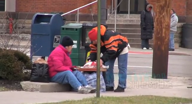 Feeding_the_Homeless