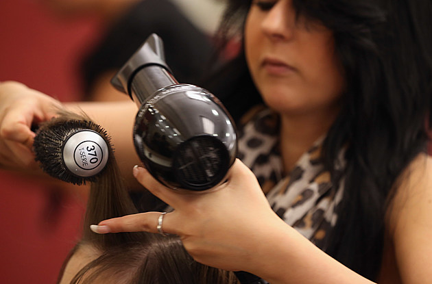 Barbers And Hair Stylists To Receive Minumum Wage Starting 2015