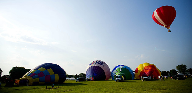 Balloon Enthusiasts Attend Annual Wisconsin Festival